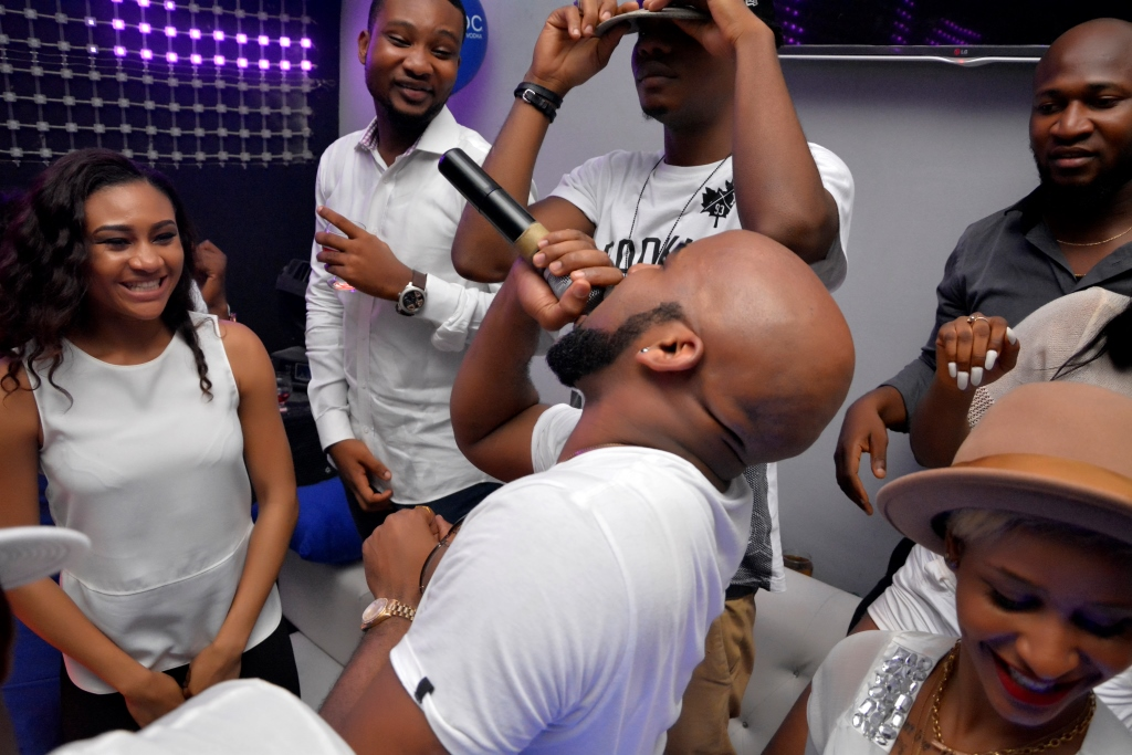 DJ-Xclsuive-all-white-party