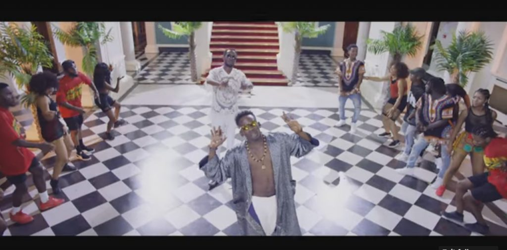 THE VIDEO: Eugy x Mr Eazi – Dance For Me