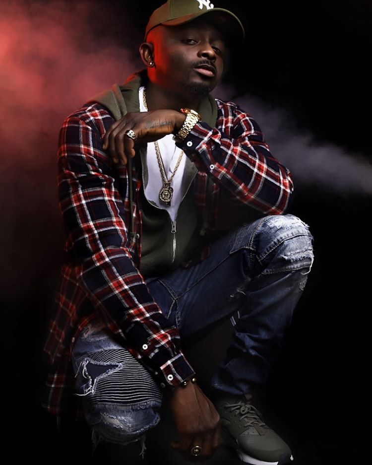 "Sean Tizzle Features LUV Crooner, Tory Lanez In ""Hit And Run"""