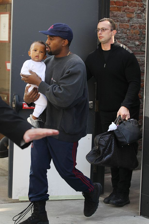 kim-kardashian-and-kanye-west-out-and-about-new-york-usa-06-oct-2016-1