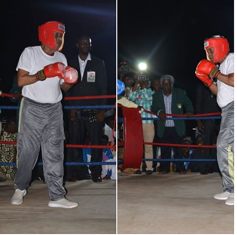78-Year-Old Alaafin Of Oyo, Oba Adeyemi Surprises All As He Enters Boxing Ring For A Match