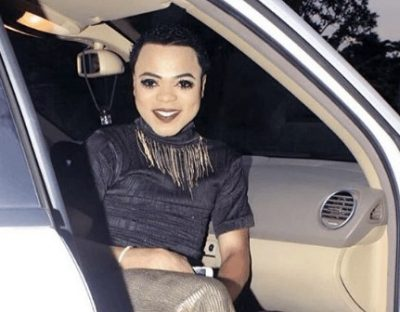 <p><strong>Bobrisky</strong> Spotted Sneaking Into Economy Class After Bragging He Only Flies First Class [VIDEO]</p>