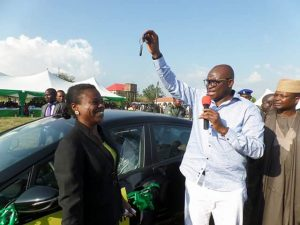 See What Ekiti Civil Servant Did As She Receives Brand New Car From Fayose