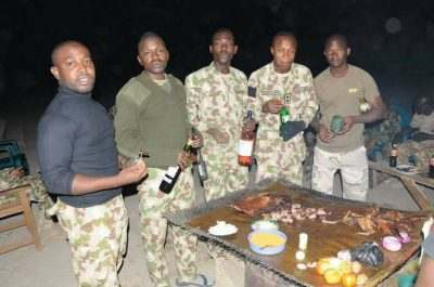 <p>Nigerian Troops Enjoying Christmas With Bush Meat In Sambisa Forest [PHOTOS]</p>