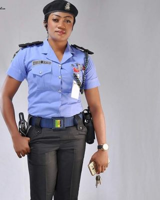 <p>Photo Of This Beautiful Nigerian Female Police Officer Sparks Mixed Reactions - Take A Look</p>