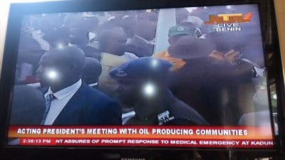 Protesters Stall Osinbajo's Meeting With Stake Holders