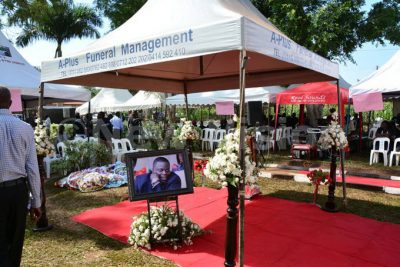 This Young Billionaire Died And Was Buried With Bundles Of Cash [PHOTOS]