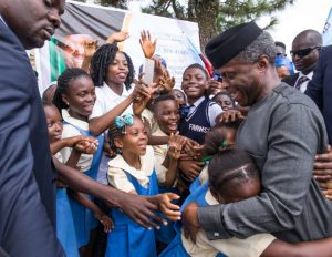 See How School Children Mobbed Osinbajo In Calabar