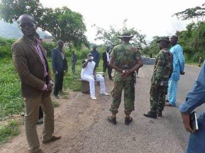 Ooh! See What Governor Fayose Is Doing With These Soldiers