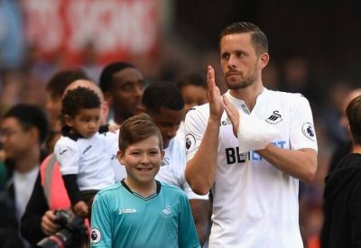 Gylfi Sigurdsson: Everton Set To Sign Swansea Midfielder