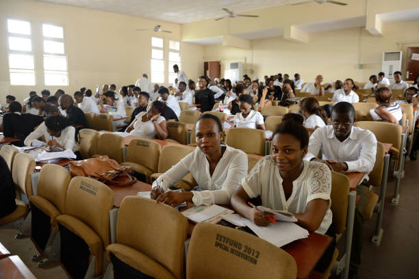 Unilag produces its first set of graduates in chinese