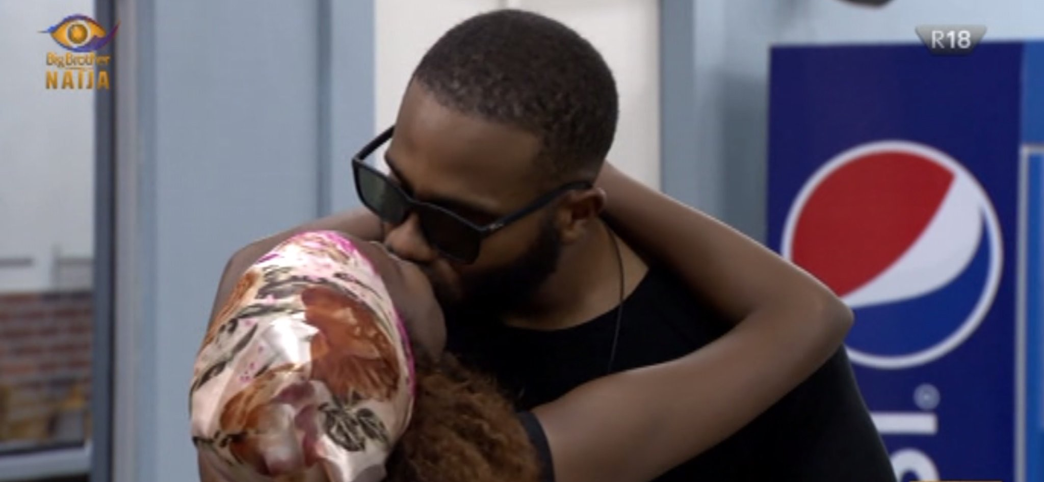 #BBNaija: Watch Kiddwaya And Wathoni Share Passionate Kiss [VIDEO]