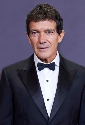 Antonio Banderas reveals on his birthday that he has tested positive for COVID-19