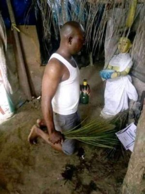 See Nigerian Politician Who Took His Nomination Form To A Shrine [PHOTOS]