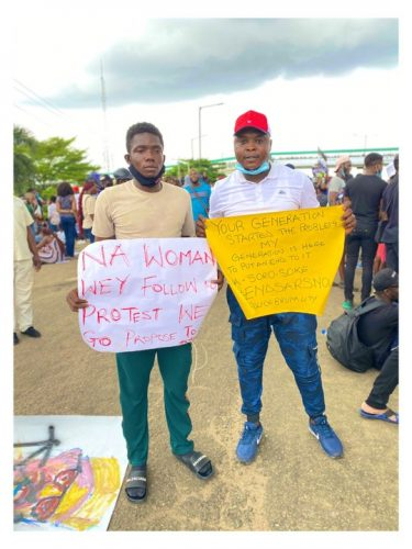Nigerian Man Proposes To His Girlfriend At #EndSars Protest In Lagos