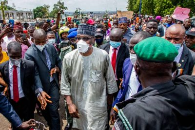 Kwara Governor, AbdulRasaq Leads #EndSARS Protesters To Police Headquarters